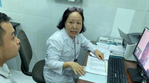 Khám bệnh từ xa: Gặp ca khó bác sĩ tại Trạm Y tế không còn phải lo