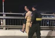 Hé lộ nguyên nhân người phụ nữ có ý định tự vẫn trên cầu Bãi Cháy trong đêm