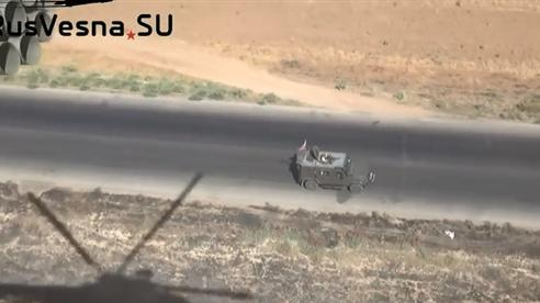 Apache quần thảo với trực thăng Nga tại Al-Hasakah