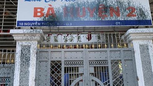 Quán lẩu cá kèo Bà Huyện 2 trên đường Nguyễn Thông bị tấn công bằng sơn
