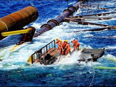 Ngành dầu khí vững vàng trước sóng gió của 'khủng hoảng kép'
