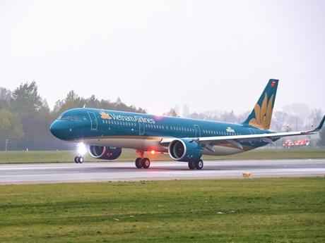 Lùi giờ thêm hàng loạt các chuyến bay do ảnh hưởng của bão số 5