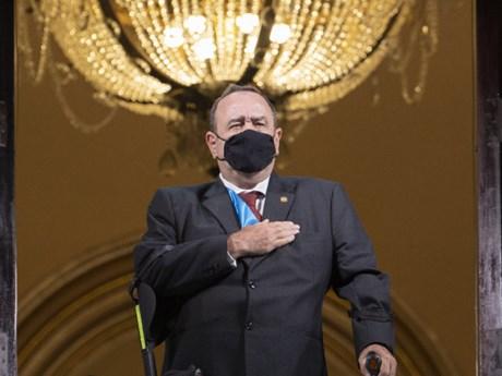 Tổng thống Guatemala mắc COVID-19, tình hình ở Italy xấu đi