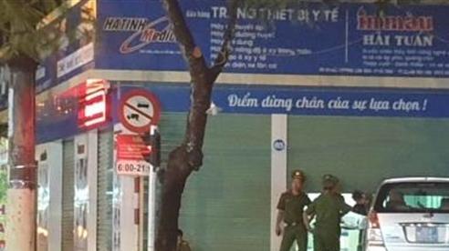 Thổi giá thiết bị bệnh viện Hà Tĩnh: Bắt tội trốn thuế
