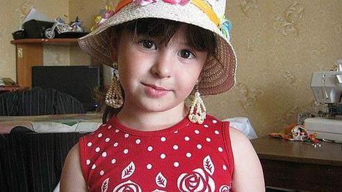 Nga chấn động vì hai chị em ruột bị nhân tình của mẹ cưỡng hiếp, sát hại dã man