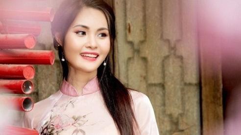 Miss Photo Nguyễn Thanh Trúc: 'Tôi luôn mong các em nhỏ có Tết Trung thu đủ đầy, ấm áp'