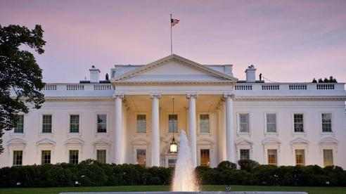 Mỹ bắt nữ nghi phạm gửi thư chứa chất kịch độc tới Tổng thống Trump