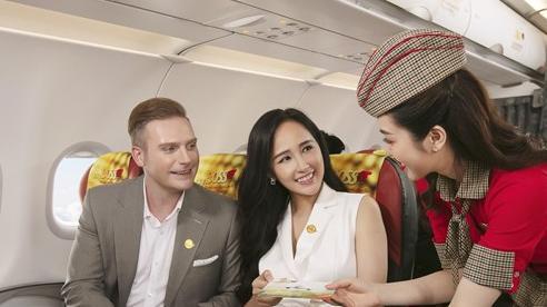 Cùng hoa hậu Mai Phương Thúy và ca sĩ Kyo York tận hưởng dịch vụ 'sang, xịn, mịn' của Vietjet