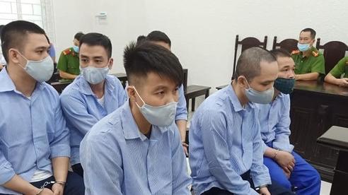Đại gia bị xông vào tận phòng nhà nghỉ, cướp tài sản ở Hà Nội