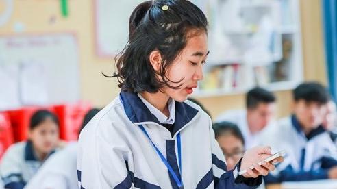 Đừng cấm học sinh dùng di động, hãy giáo dục ý thức tuân thủ
