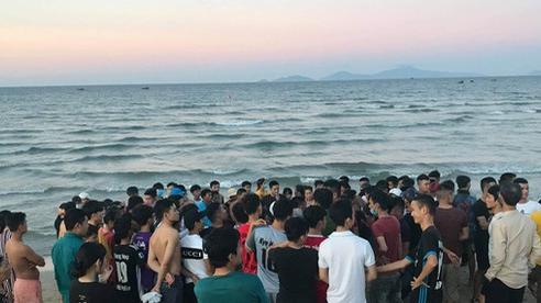Thi thể người đàn ông nước ngoài nổi trên biển Quảng Nam