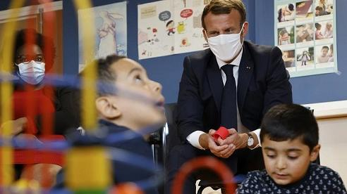 Pháp tăng gấp đôi thời gian nghỉ thai sản cho nam giới