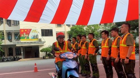 Gần 3.000 sinh viên ở Hà Nội được 'đào tạo' kỹ năng lái xe an toàn