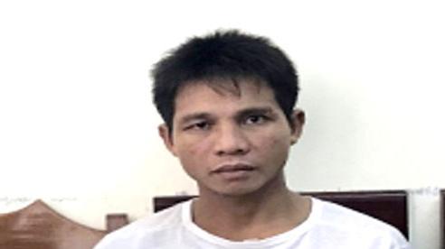 Trộm dùng dao tấn công chủ nhà khi bị phát hiện