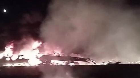 Cận cảnh rơi máy bay quân sự ở Ukraine, 25 người thiệt mạng