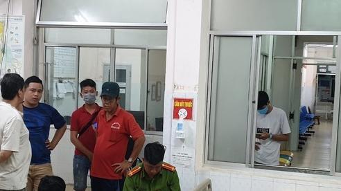 Chủ đại lý vé số cùng nhân viên ở Bình Dương bị truy sát nhập viện