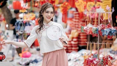 Nữ diễn viên múa gây 'sốt' với bộ ảnh Trung thu trên phố Hàng Mã
