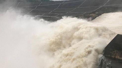 Thủy điện Hòa Bình mở 1 cửa xả lũ vào sáng mai 30-9