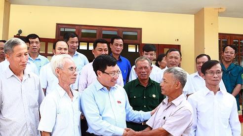 Phó Thủ tướng Phạm Bình Minh tiếp xúc cử tri Thái Nguyên