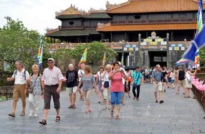 Hơn 13 nghìn khách quốc tế đến Việt Nam trong tháng 9-2020