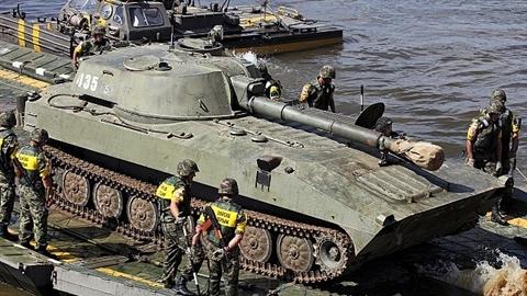 Mỹ đánh giá cao 'pháo tự hành biết bơi' 2S1 Gvozdika