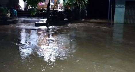 Lũ lên lại, nhiều nơi tại Quảng Nam bị chia cắt