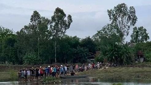 Quảng Nam: 2 học sinh trượt chân ngã rơi xuống cầu, 1 em tử vong