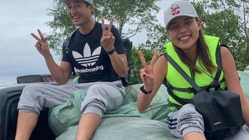 Thúy Diễm cùng chồng Lương Thế Thành đi cứu trợ miền Trung