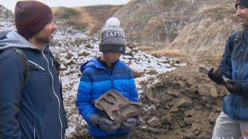 Đi dã ngoại, cậu bé 12 tuổi tìm ra 'quái thú' 69 triệu tuổi