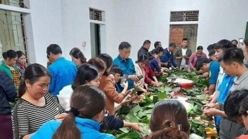 Người dân Nghệ An trắng đêm nấu bánh chưng gửi vào vùng lũ
