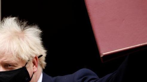 Thủ tướng Anh sắp từ chức vì lương thấp?
