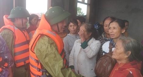 Hà Tĩnh kêu gọi ủng hộ người dân tỉnh nhà chống chọi với bão lũ