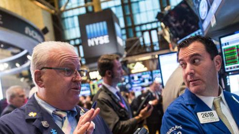 Nhà đầu tư hồi hộp chờ đợi kết quả về gói kích thích, Dow Jones tăng hơn 150 điểm
