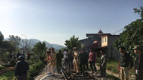 Lạng Sơn: Mải nghe điện thoại khi đi qua đường ray, người đàn ông bị tàu hỏa tông tử vong