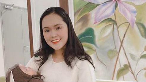 Quỳnh Anh - vợ trung vệ Duy Mạnh khoe nhan sắc 'gái một con'