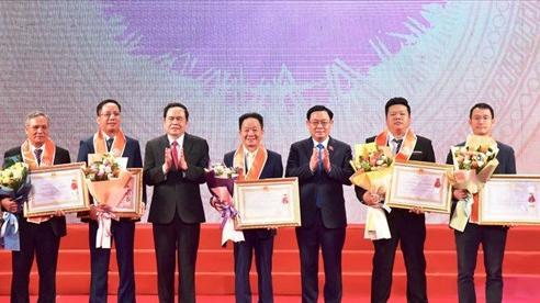 Hà Nội tôn vinh 200 doanh nhân, doanh nghiệp tiêu biểu
