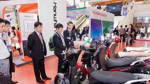 Xe máy điện VinFast gây chú ý ở Diễn đàn cao cấp Đô thị thông minh ASEAN 2020
