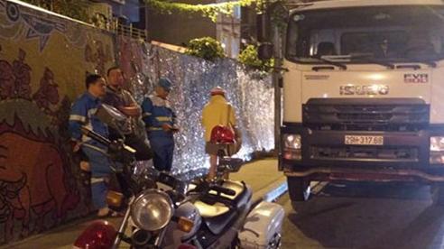 Hà Nội: Xử phạt vi phạm hành chính 12 xe ô tô chở rác vi phạm