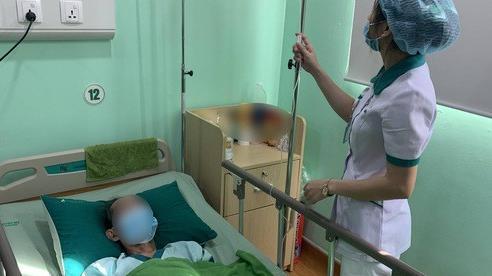 Phẫu thuật nội soi cấp cứu cụ ông 91 tuổi bị thoát vị bịt nguy hiểm và hiếm gặp