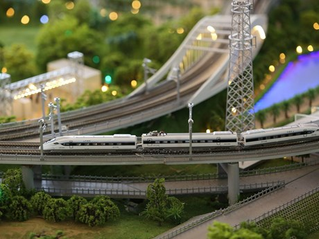 Thái Lan chi 1,6 tỷ USD mua thiết bị đường sắt cao tốc của Trung Quốc