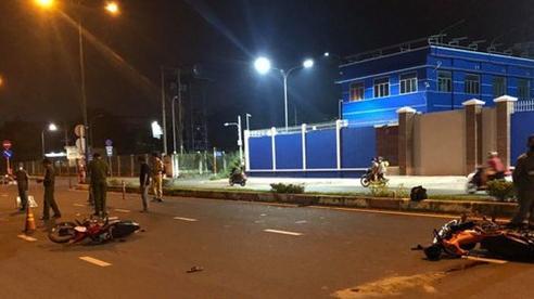 TP.HCM: Tai nạn xe máy trong đêm, 2 người bị thương nặng