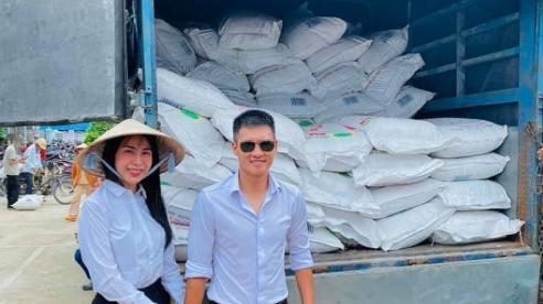 Thủy Tiên cùng Công Vinh trở lại cứu trợ miền Trung đợt 2