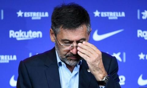 Chủ tịch và toàn bộ Hội đồng quản trị CLB Barca từ chức