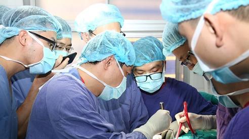 Thích quan hệ kiểu 'độc lạ', nam thanh niên ở Sơn La phải đưa 'cậu nhỏ' vào viện cấp cứu
