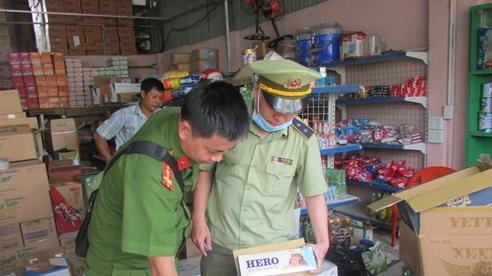 Chuyển công an điều tra vụ tàng trữ gần 2.500 bao thuốc lá lậu