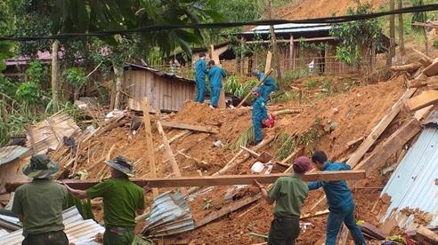 Rớt nước mắt hình ảnh hiện trường vụ sạt lở kinh hoàng ở Quảng Nam