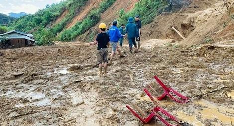 Thực hiện phương châm '4 tại chỗ' tìm kiếm người mất tích tại Phước Sơn