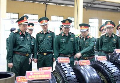 Đoàn công tác Bộ Quốc phòng kiểm tra và làm việc tại Nhà máy Z175