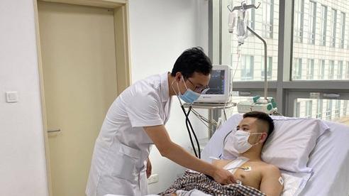 Cấp cứu bệnh nhân bị thủng tim, vỡ gan