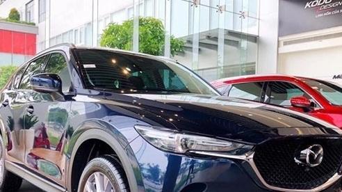 Cuối tháng 10, nhiều xe ô tô tăng giá